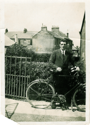 1934 Archie Danskin at Broompark Rd