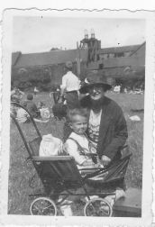 1936 Jim Brown & mother at Spittal pit Gala day