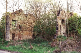 2012 Ruined Broomhouse Homes at Auchintibber