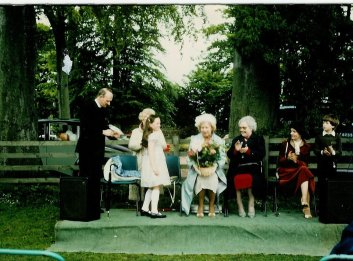 1981 Rev Silcox and family. Joanne Veverka. High Blantyre old parish church fete