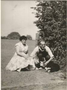 1940s(?) Jimmy and Minnie Rochead at Malcomwood Farm