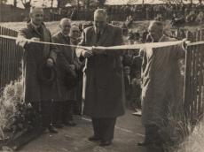 1952 Opening the Suspension Bridge at Blantyre (PV)