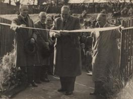 1952 Opening the Suspension Bridge at Blantyre (PV)