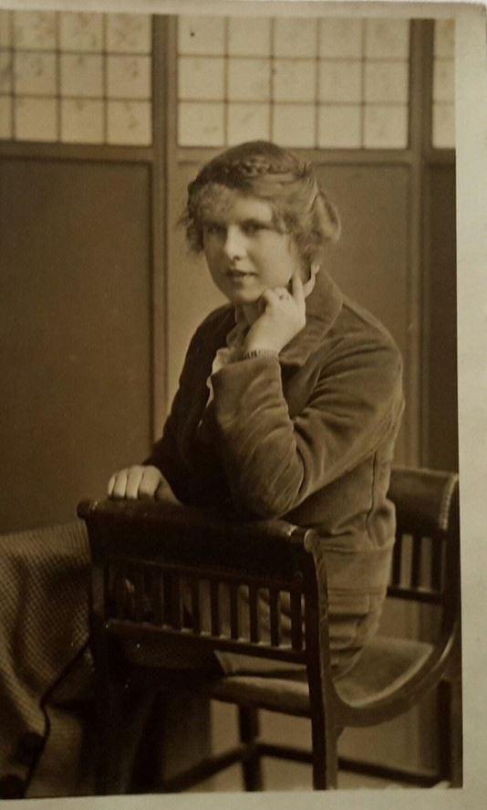 1920's Wife of Auchinraith Headmaster James Dunlop. Shared by N Scott