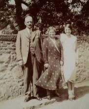 1938 Mr Gardner, his sister Mary and daughter Kate at Auchinraith Road. Shared by N Scott