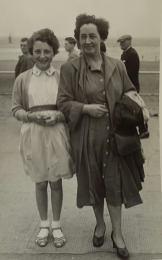 1959 Christine Gardner and her mother Maisie