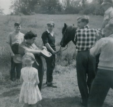 1965 5th June. Pony rides at Crossbasket fete day. Shared by A Rochead