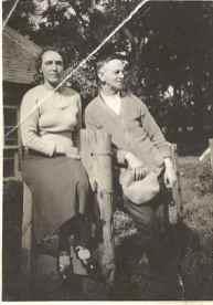 1930 Helen and Thomas Hunter at Dunsyre