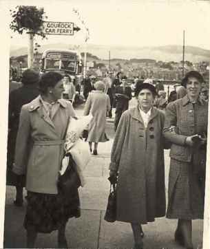 1960s May (marion), Helen and Mattie (Martha) Hunter at Greenock.