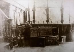 1873 John Wainwright and Livingstone's coffin