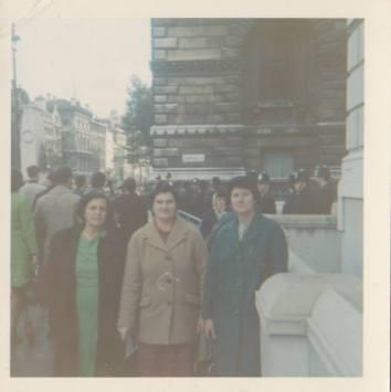 1950s Alice innes McGuire & sisters