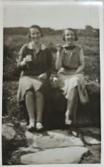 1920s Mary and Annie Nimmo. Shared by J Davies