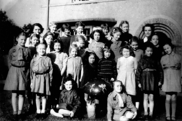 1947 Livingstone Church Brownies shared by Bill Beers
