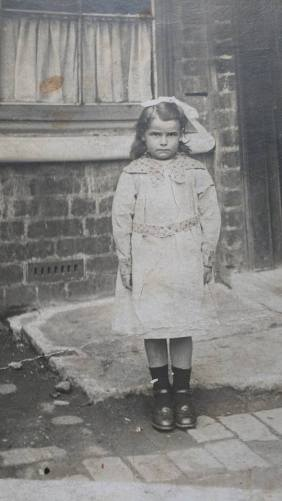 1920 Annie Docherty (nee Longworth) at 9 Caldervale