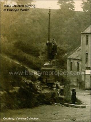 1903 Children at Shuttle Row Steps (PV)