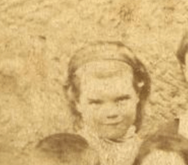 1880 Jessie (Jen) Hunter Brown, b 1876 at Boathouse