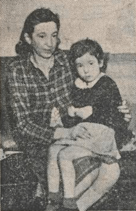 1946 Mrs Nesbit and daughter Betty (John Street)