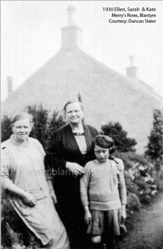 1930 Ellen, Sarah & Katie Slater at Merrys Rows wm