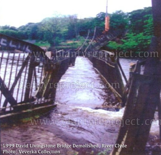 1999 David Livingstone Bridge in water wm