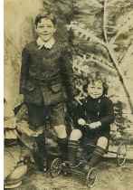 1909 Andrew & Margaret Lindsay (Merrys Rows)