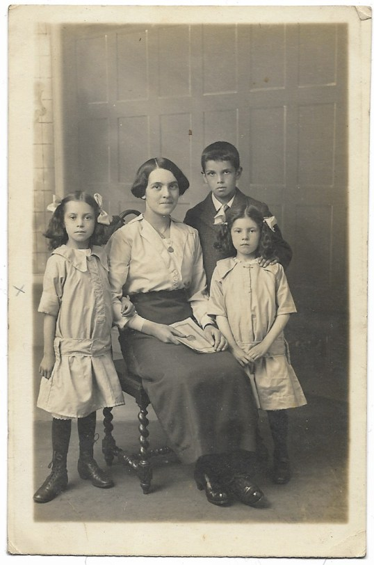 1920s Mystery unknown photo