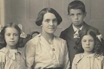 1910s Mystery Family