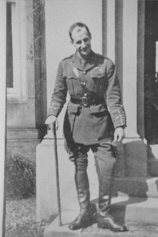 1917 Lionel Rees at Greenhall (1884-1955)