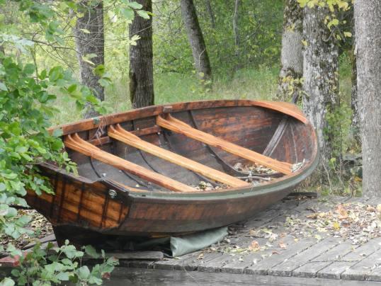 boat-vintage-boat-wooden-boat-192171