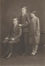 1930 Iain, Alex and Martha Smellie