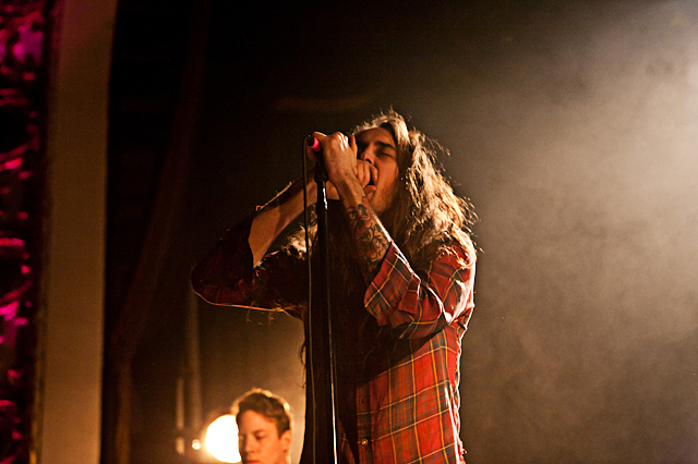 Pianos Become The Teeth-1