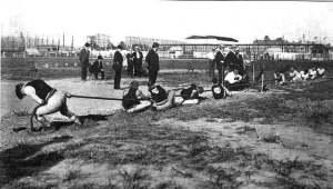 1904_tug_of_war