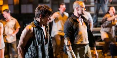 """Daryl (Norman Reedus) and Merle (Michael Rooker) reunite in """"The Suicide King"""""""
