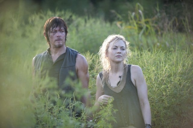 """Daryl (Norman Reedus) and Beth (Emily Kinney) are the first prison survivors we catch up with in """"Inmates"""""""