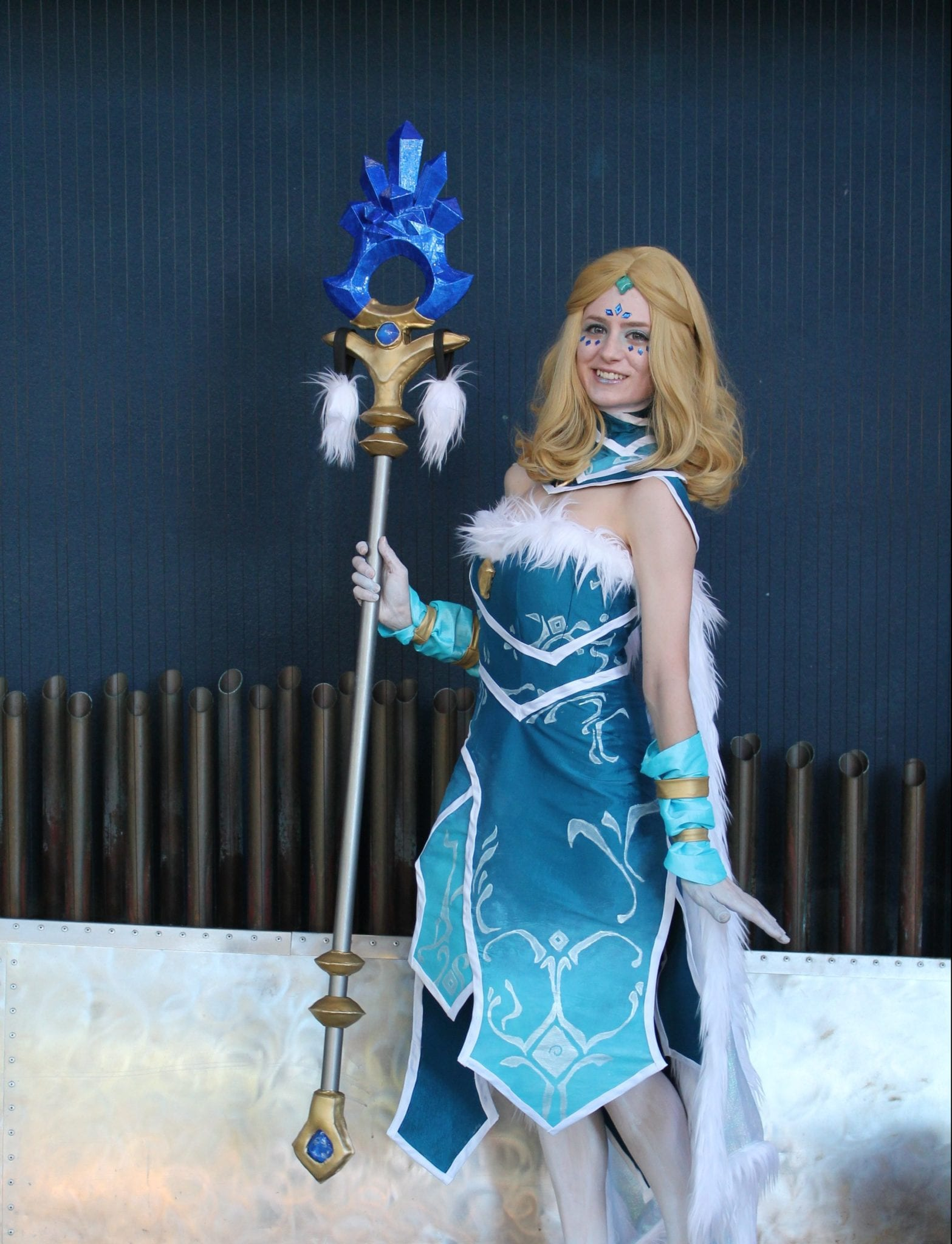 Crystal Maiden Dota 2 Cosplay Wins 2 500 In The Dota 2
