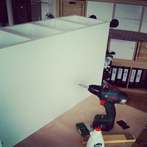 diy projekt k chenregal selber bauen. Black Bedroom Furniture Sets. Home Design Ideas