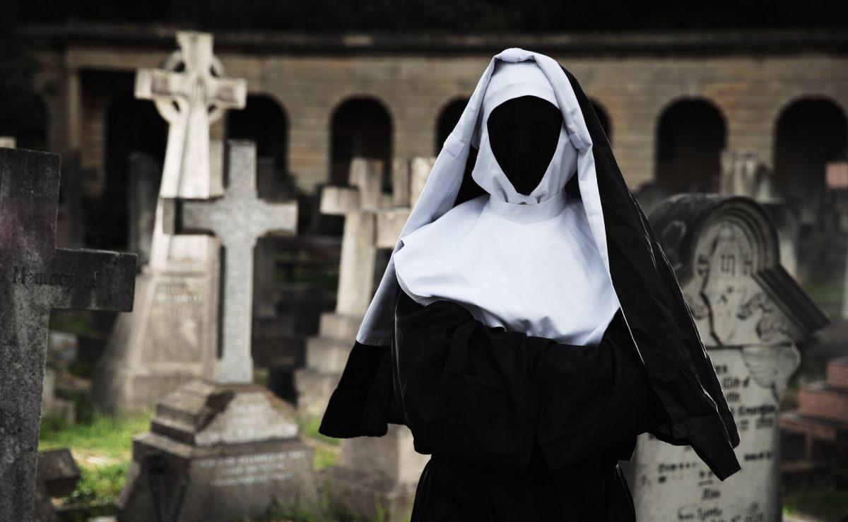 The Nun – See Celebs Scared Stiff at Brompton Cemetery