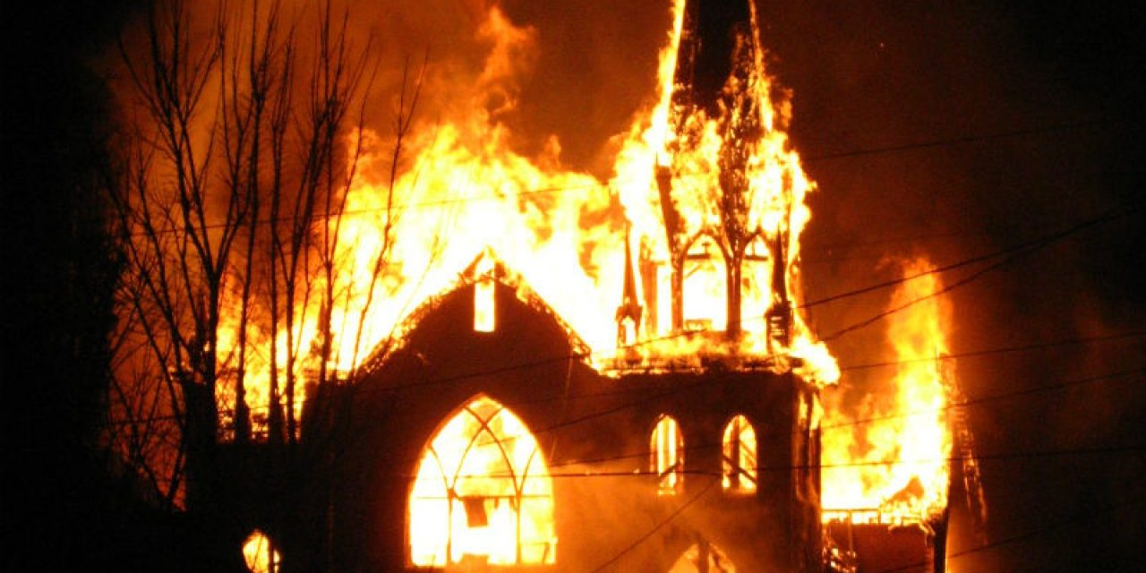 Day #5 American Riots 5-31-20 White House D.C. church on FIRE! on PENTECOST !!!