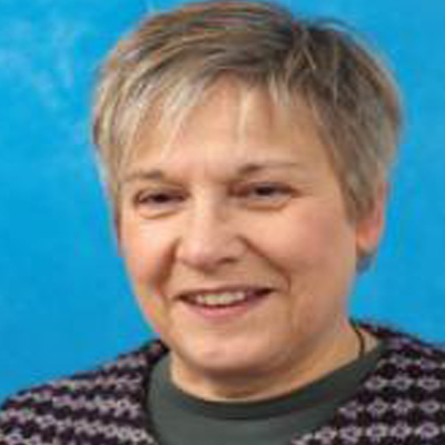 Dr Jennifer Davis