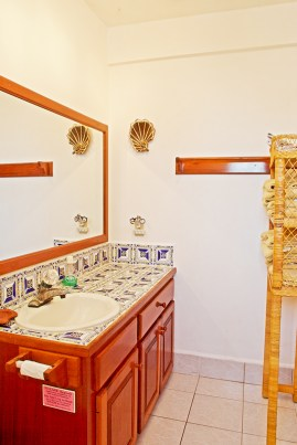Caribe Island # 26 - Bathroom