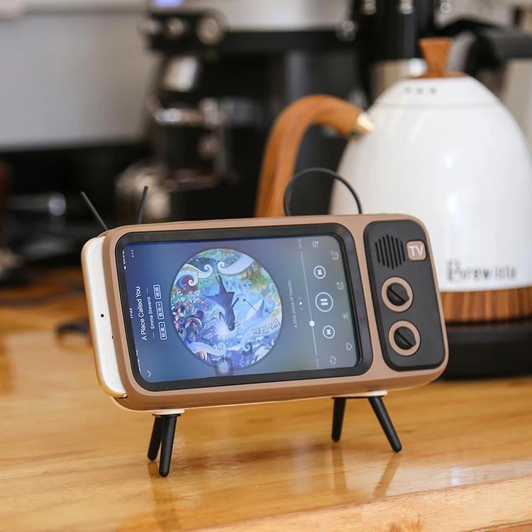 Retro Mini Wireless Speaker and Phone Holder1
