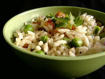 Puffed Rice and Green Peas Upma