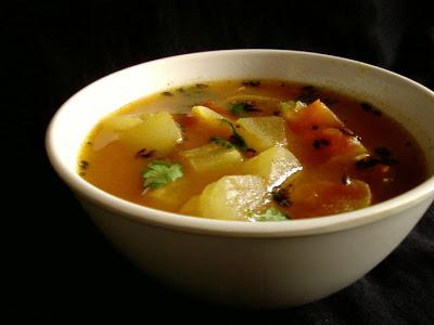 Dosakaya Mukkala Pulusu ~ Lemon Cucumber Stew