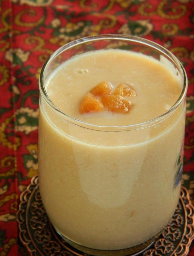 Chikoo Milkshake ~ Sapota Milk Shake Recipe