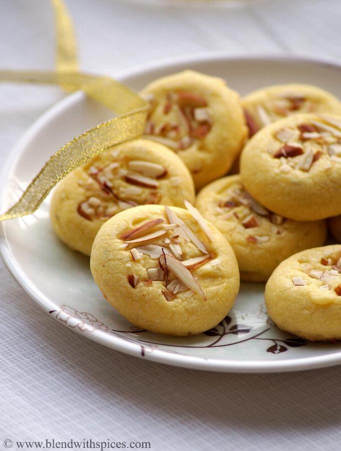 Eggless Saffron Cookies Recipe ~ Diwali Special Eggless Cookies