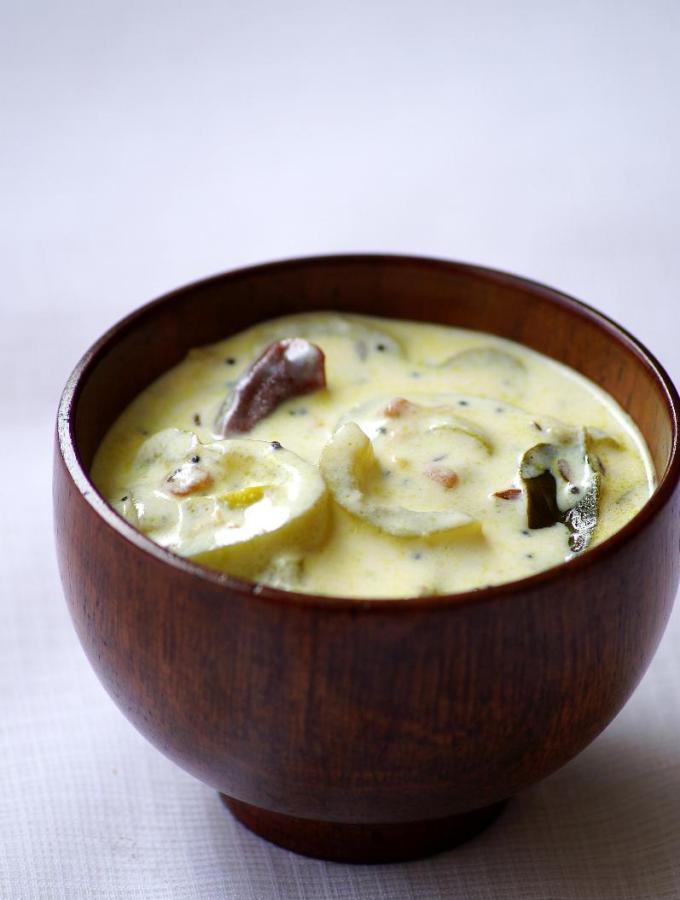 Potlakaya Perugu Pachadi Recipe – Snake Gourd Yogurt Chutney Recipe