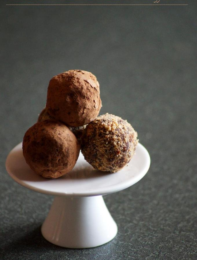 Dates Peanut Chocolate Truffles Recipe – Valentine's Day Special Recipes