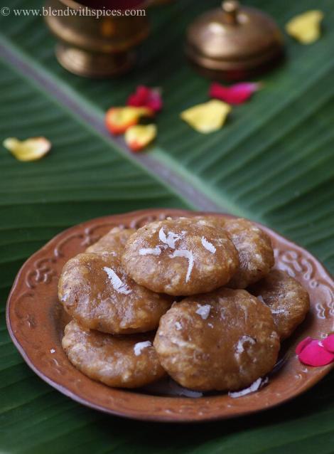 godhuma pindi kudumulu recipe, how to make wheat kudumulu, vinayaka chavithi prasadam recipes