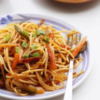 Veg Hakka Noodles Recipe, How to make Vegetable Hakka Noodles Recipe