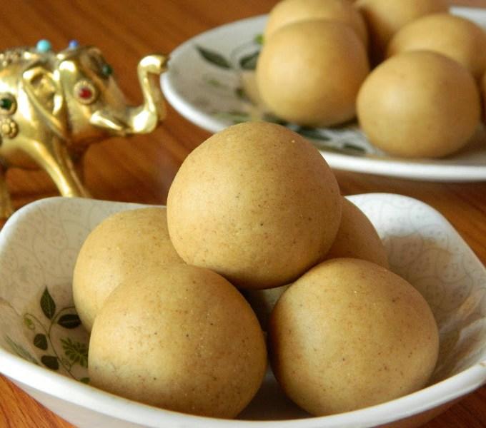 Sunnundalu with Sugar   Urad Dal Laddu Recipe