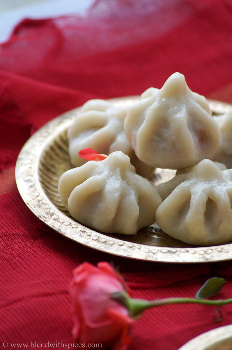 Ukadiche Modak Recipe - Modakam - Vella Kozhukattai - How to make Modak - Vinayaka Chavithi Recipes (Step by Step Recipe)